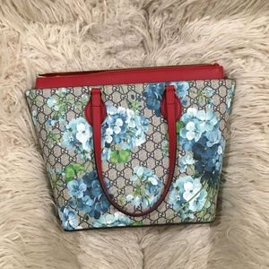 Gucci Bloom Supreme GG Medium Tote Bag